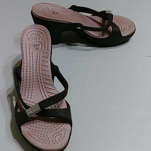 Crocs brown/ pink soles sandals with heels Sz 6M
